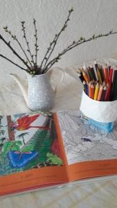 Malbuch und Stifte